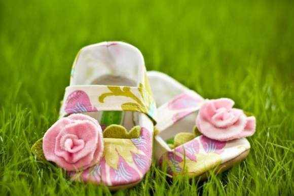 Very Cute Girls toddler shoes Gray dot Baby Shoes color Rose red bowknot non-slip